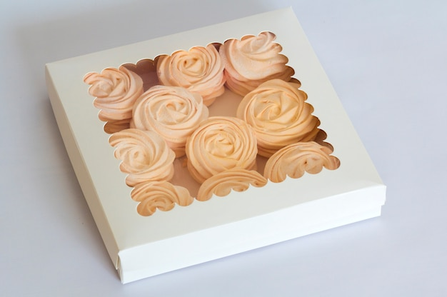 Domowe różowe pianki w pudełku, feijoa - idealny kwaśny, domowy przysmak