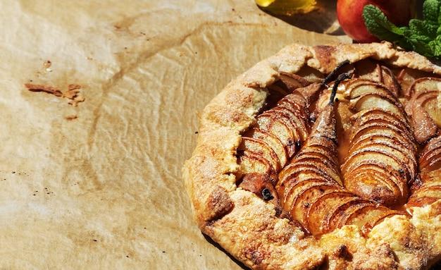 Domowe, sezonowe francuskie ciasteczka gruszkowe
