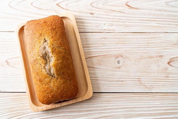 Domowy chleb bananowy lub pokrojone ciasto bananowe