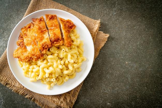 Domowy mac i ser ze smażonym kurczakiem