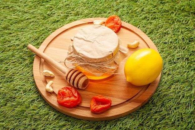 Domowy miód z ekologiczną cytryną