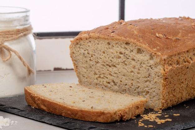 Domowy pyszny chleb bezglutenowy