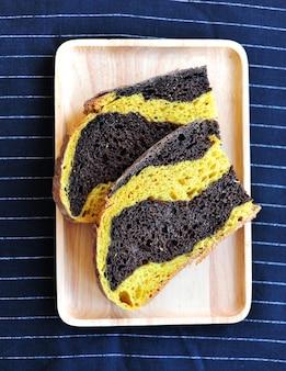 Domowy świeży chleb organiczny i rzemieślniczy