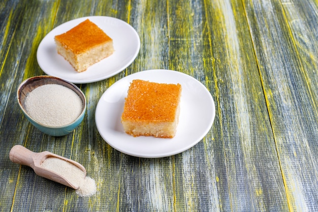 Domowy tort turecki deserowy z semoliny.