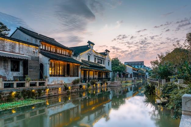 Domy nad rzeką w starożytnym mieście dangkou