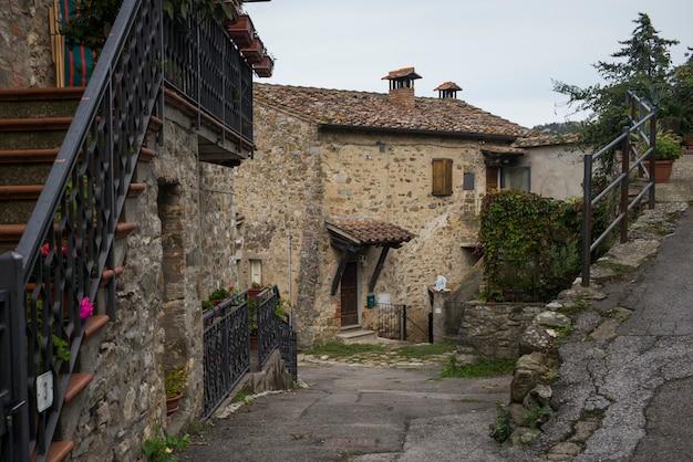 Domy w mieście, chianti, toskania, włochy