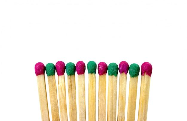 Dopasuj różne kolory na białym tle