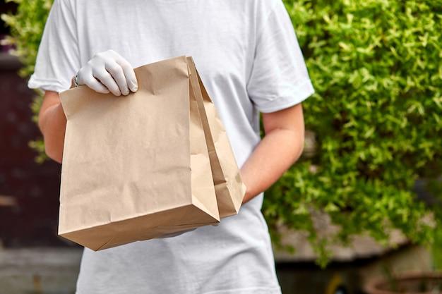 Dostawa kurierska dla kurierów, dostawa, dostawa jedzenia na wynos do restauracji