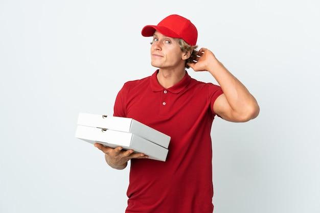Dostawca pizzy na białym tle ma wątpliwości having