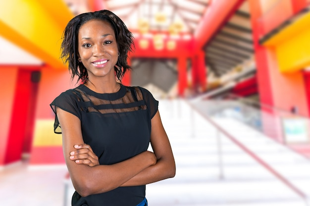 Dosyć czarnego afrykanina kobiety pozycja