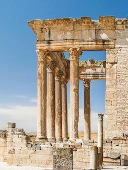 Dougga, rzymskie ruiny. światowego dziedzictwa unesco w tunezji.