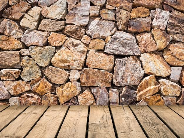 Drewniana drewniana podłoga z brązowym kamiennym tłem