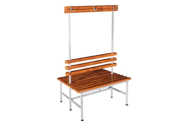 Drewniana i metalowa ławka do szatni. ławka w parku. ławka na białym tle.
