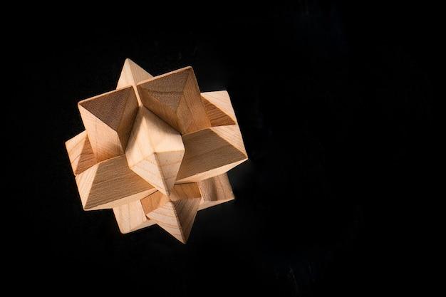 Drewniana łamigłówka - gra z klockami na czarno