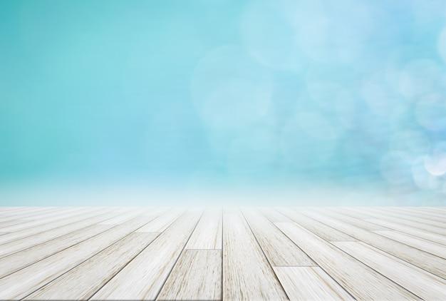 Drewniana podłoga i naturalna sceneria