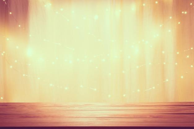 Drewniana podłoga i piękny efekt świetlny