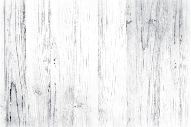 Drewniana podłoga pomalowana na biało