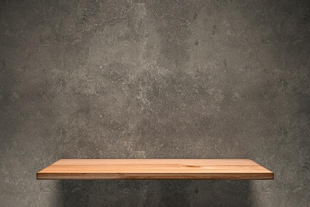 Drewniana półka na betonowej ścianie