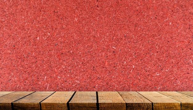 Drewniana półka na stół z miejscem na kopię na tło reklamowe