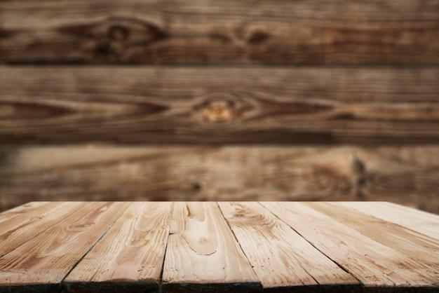 Drewniana powierzchnia na tle desek