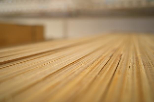 Drewniana powierzchnia tekstury bokeh tło