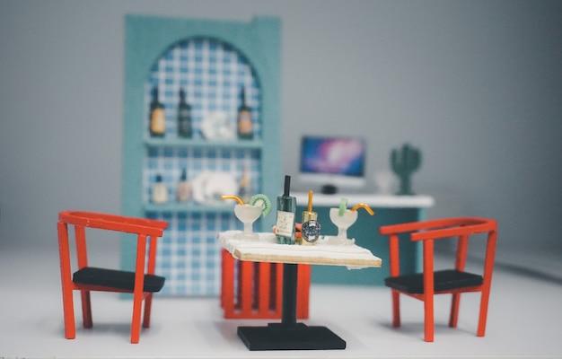Drewniana zabawka meble dla dzieci miniaturowy stolik na drinka z krzesłami w salonie