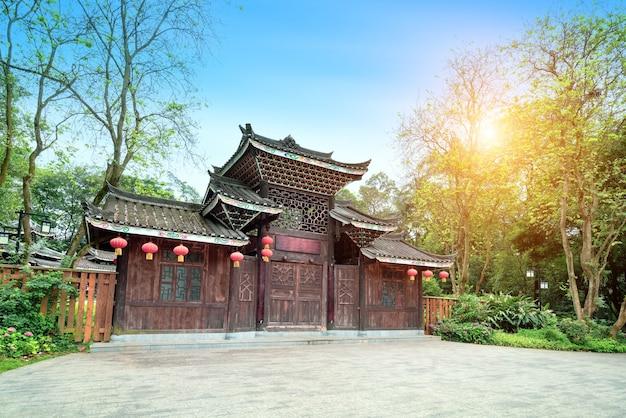 Drewniane domy dong w liuzhou, guangxi, chiny