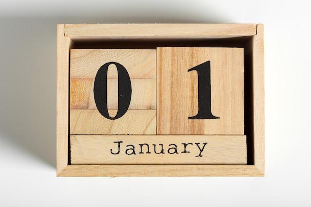Drewniane kostki z datą 1 stycznia