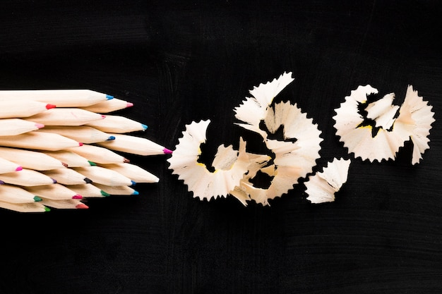 Drewniane ołówki i wióry