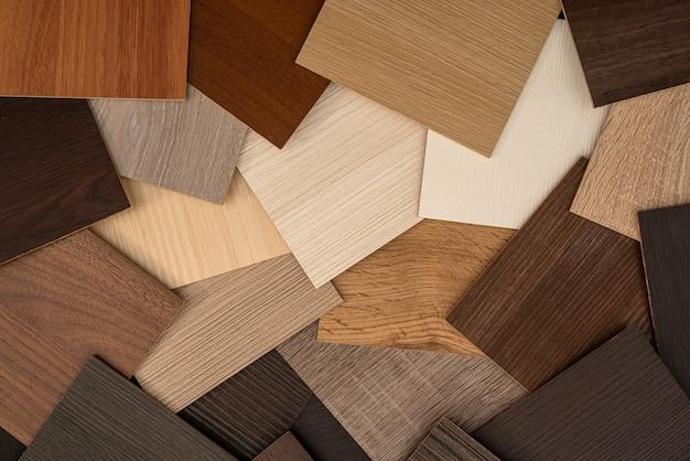 Drewniane próbki winylowe o różnym rodzaju tekstury drewna do projektowania