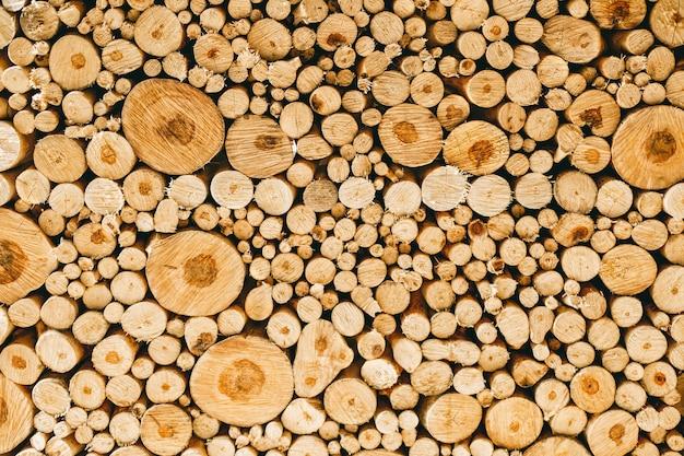Drewniane tekstury tła w kawiarni w ciepłych kolorach i naturalnej strukturze drewna