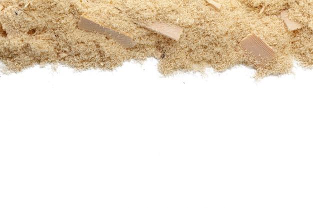 Drewniani golenia na białym tle