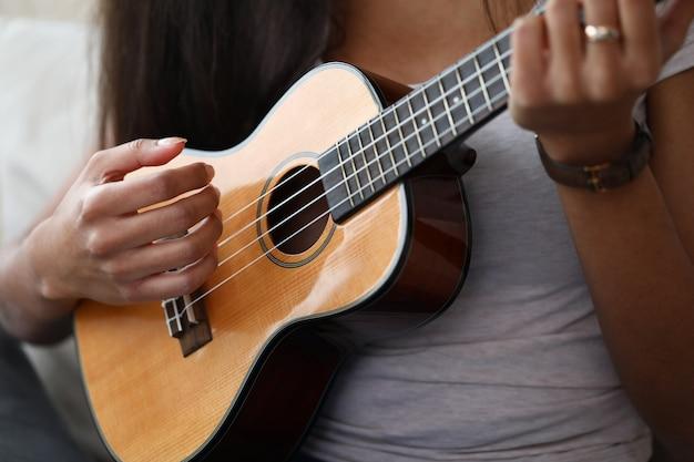 Drewniany instrument muzyczny