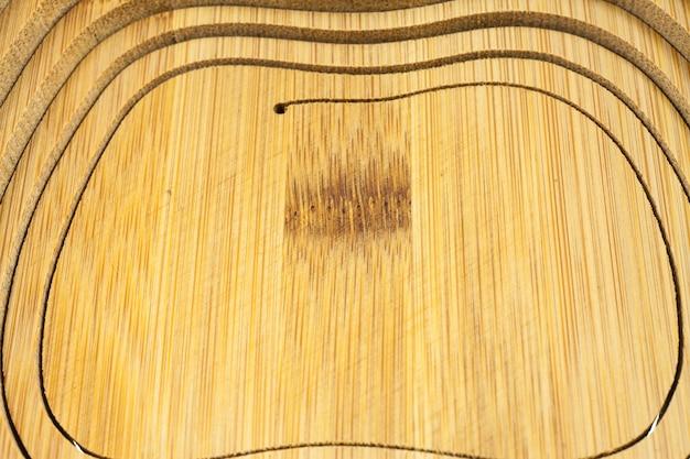 Drewniany kosz tekstura tło.
