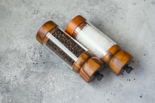 Drewniany zestaw młynek do soli i pieprzu do gotowania