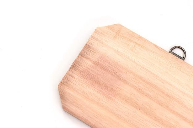 Drewniany znak na białym tle