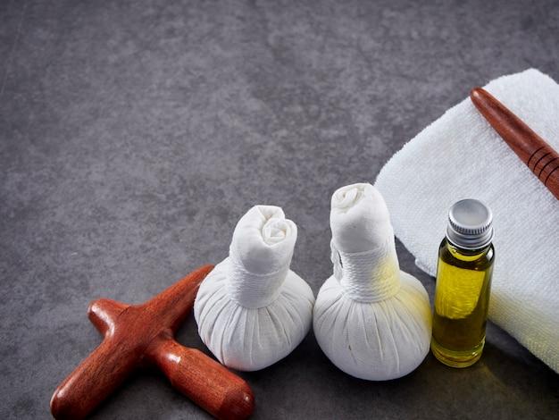 Drewno guasa i olejek do masażu. spa