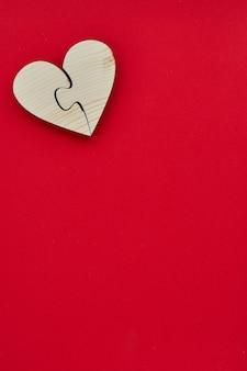 Drewno kształt serca na walentynki