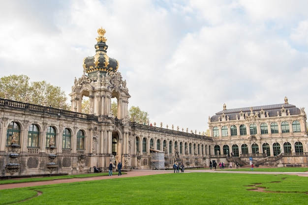 Drezno zwinger palace piękna architektura barokowa