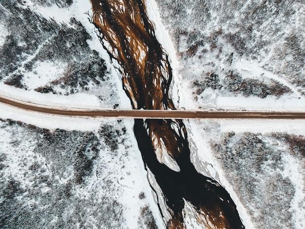 Droga i most w ciągu dnia