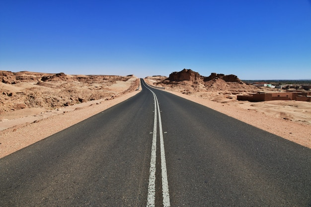 Droga na saharze, afryka