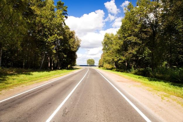 Droga utwardzona w okresie letnim
