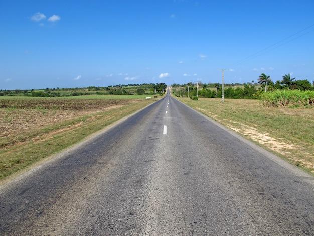 Droga w dolinach w trinidad, kuba