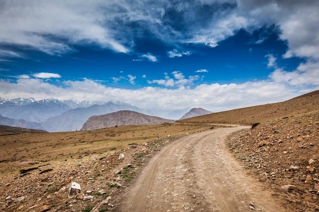 Droga w himalajach
