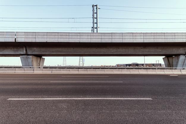 Droga z wiaduktu