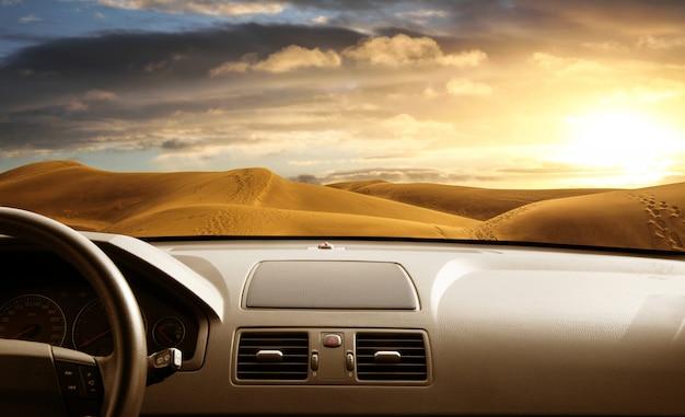 Droga z wnętrza samochodu