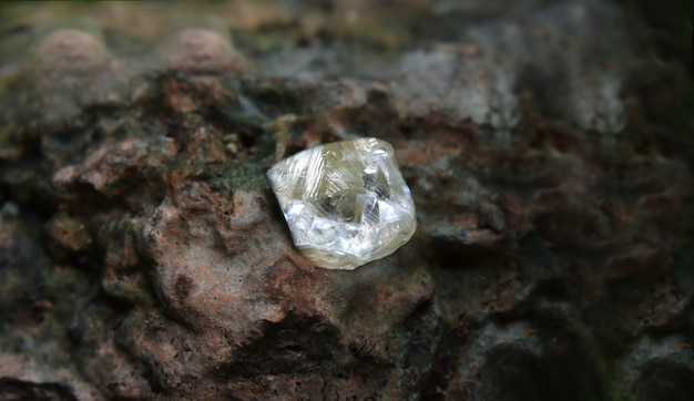 Drogi diament