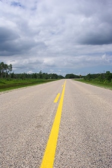Drogi jazdy autostradą bruk wszędzie