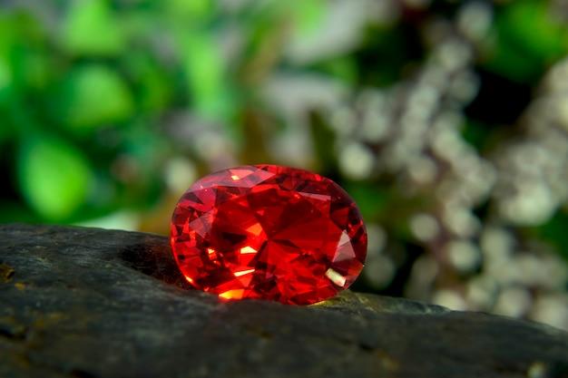 Drogi rubin na biżuterię