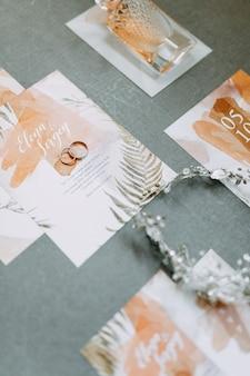 Druk i zaproszenia ślubne. stylowe detale ceremonii ślubnej.